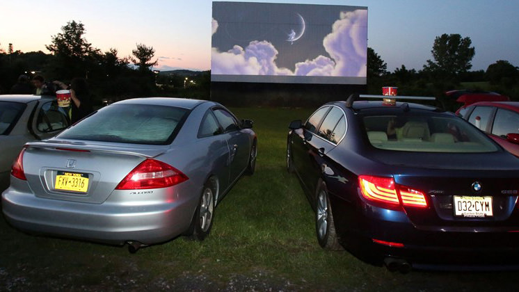 Cinemas drive-in voltam a ser populares nos EstadosUnidos