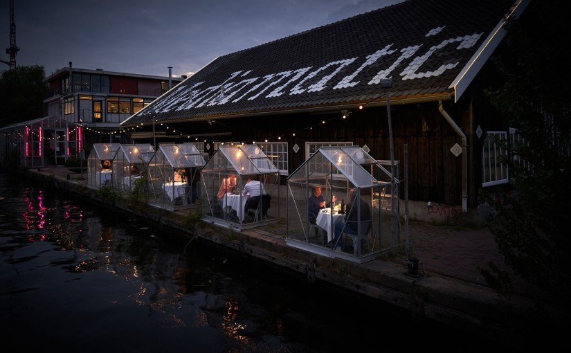 Restaurant in Amsterdam installs mini greenhouses to guarantee dinner with social distance